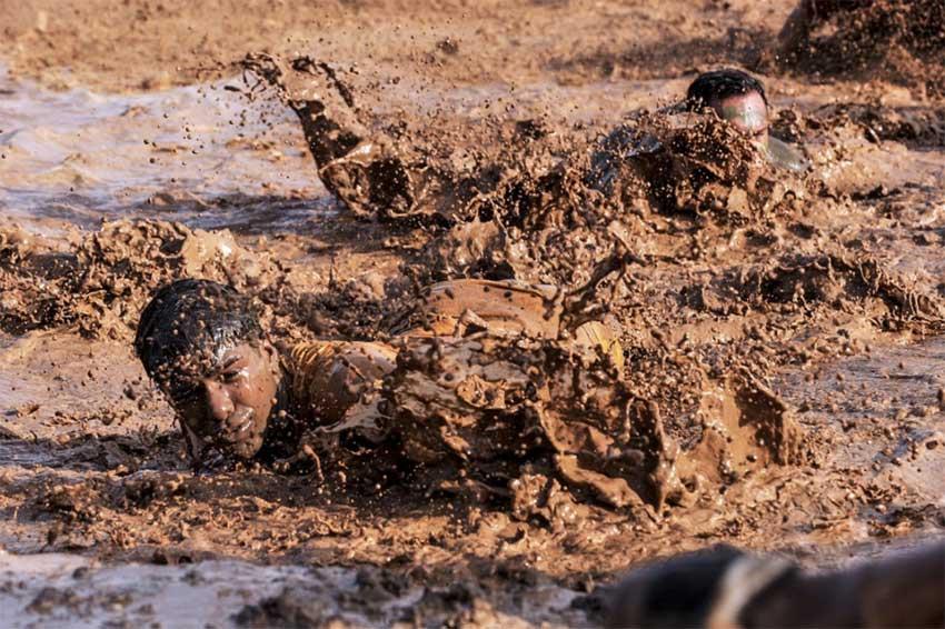 Брод - болото, пузырящаяся грязь