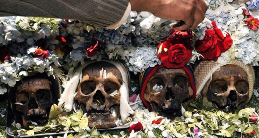 Боливия - поклоняемся черепам предков.