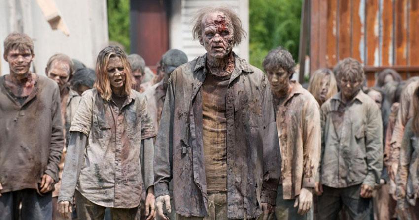В фильмах о зомби полно оживших мертвецов.